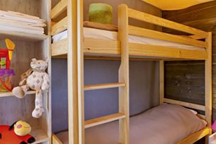 Chambre lits superposés mobilhome Ecolodge