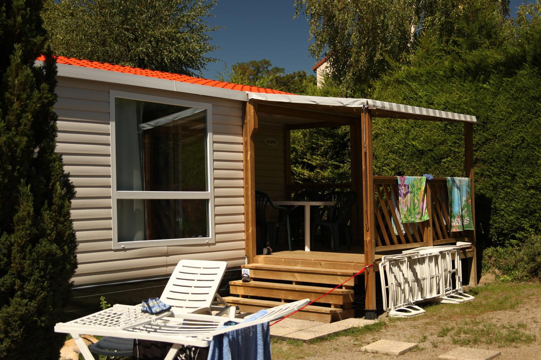 Mobilhome loggia camping auvergne le clos auroy for Loggia house