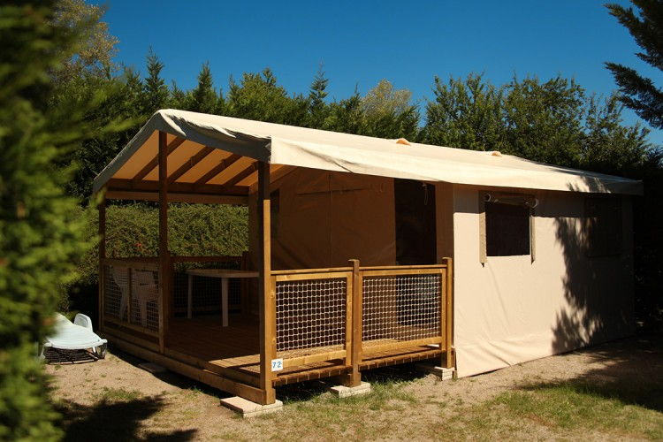 Mobile home Ecolodge from the outside