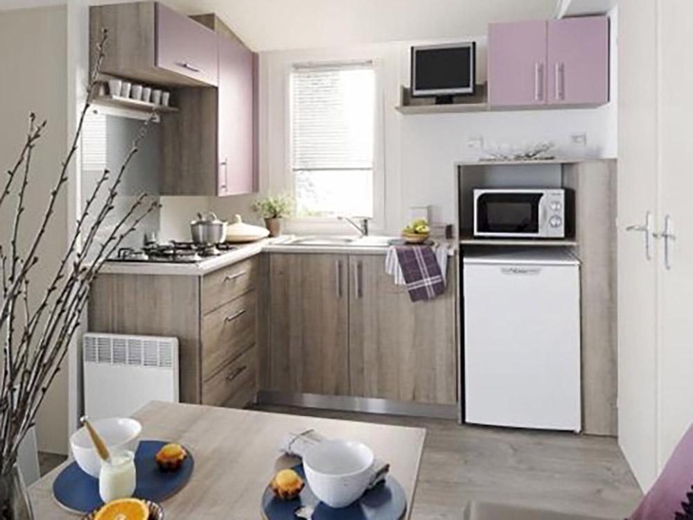 mobilhome loggia camping auvergne le clos auroy. Black Bedroom Furniture Sets. Home Design Ideas