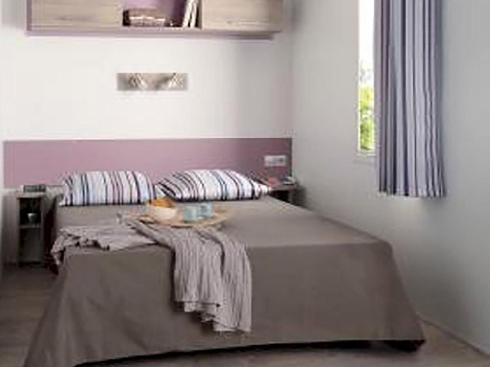 Lit Loggia mobil home loggia ¤ camping auvergne le clos auroy
