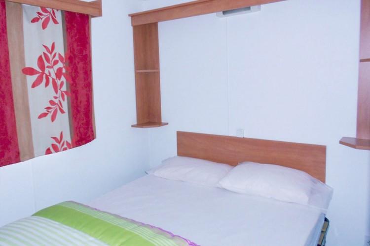 Chambre lit double mobilhome Watipi
