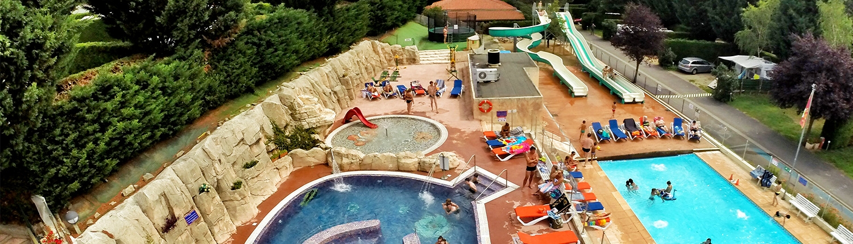 Wasserpark und Schwimmbecken